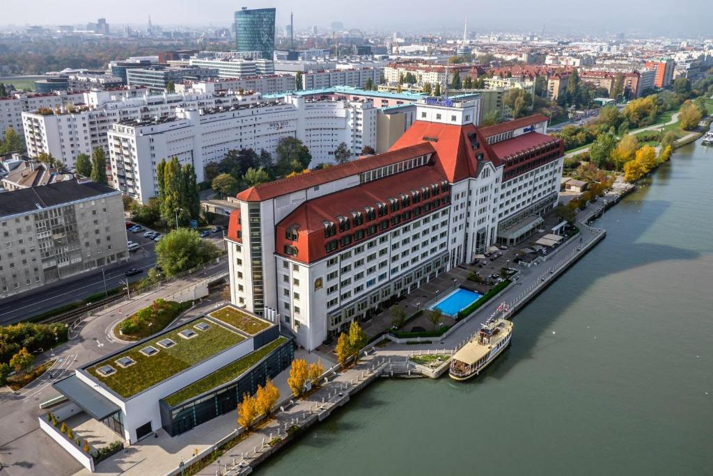 A bird's-eye view of Hilton Vienna Danube Waterfront