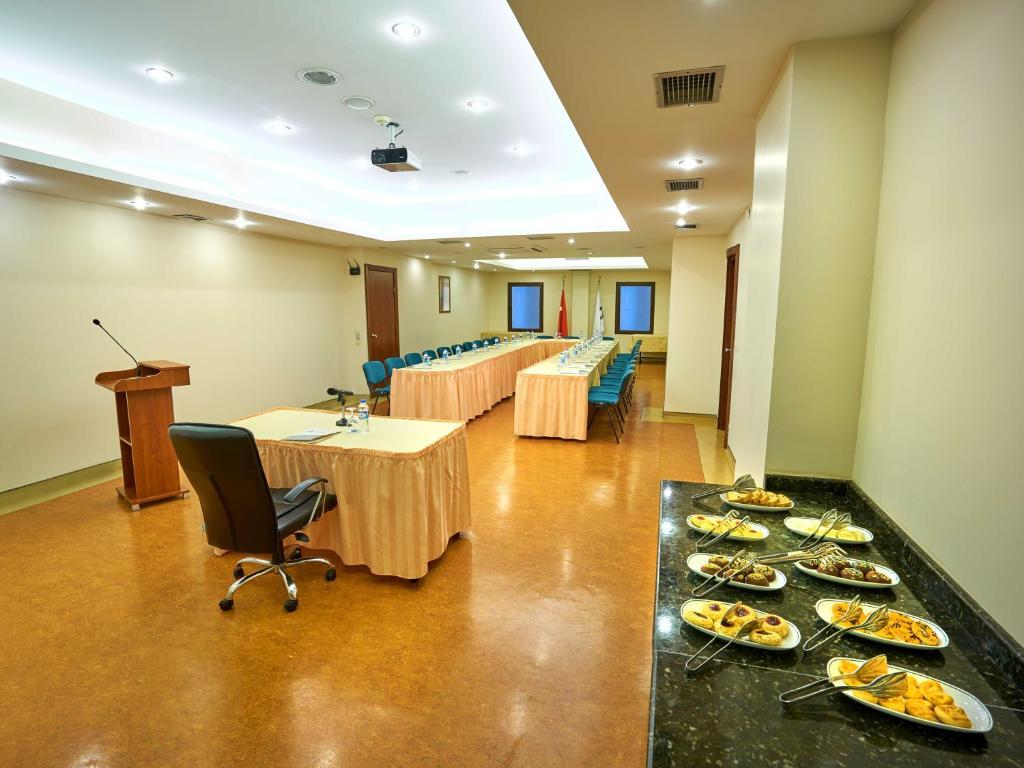 Feronya Hotel