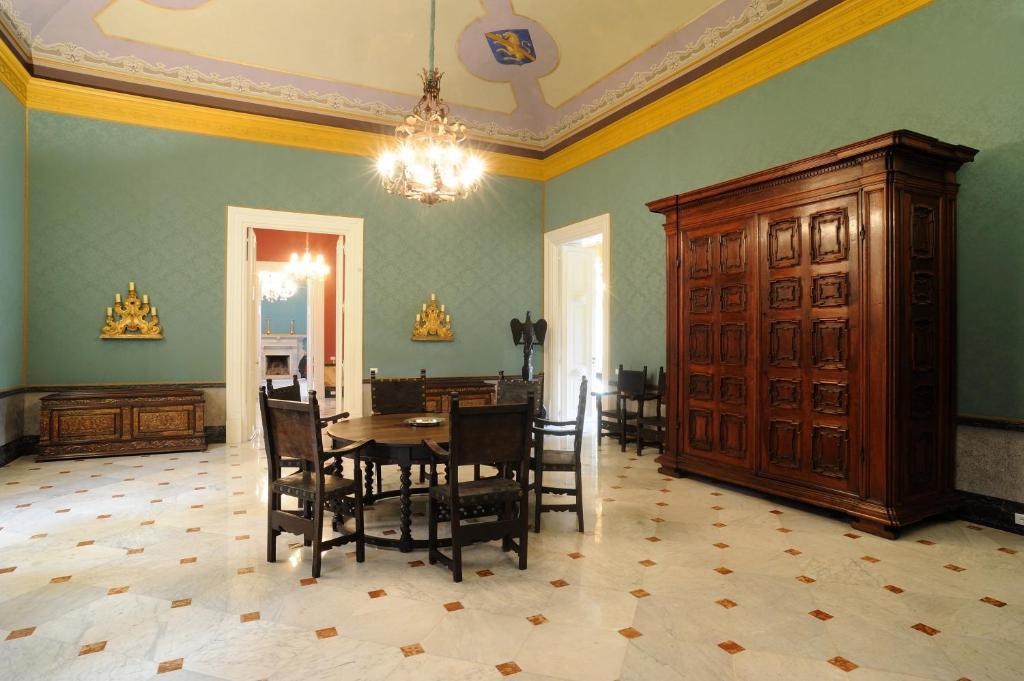 Kronleuchter Palazzo ~ Ferienwohnung palazzo montevago italien palermo booking