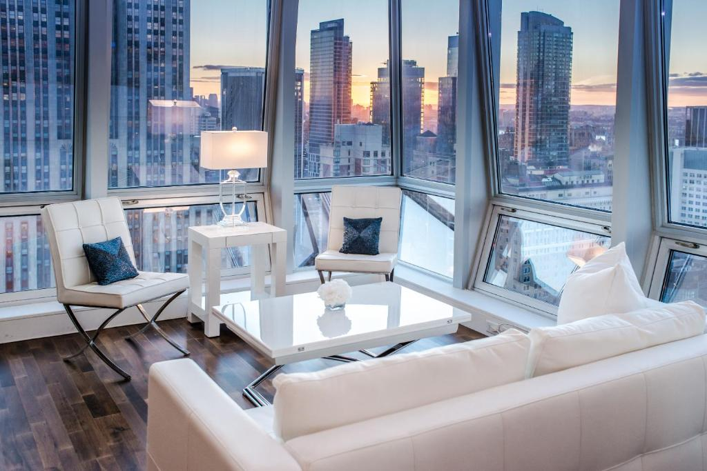 Apartment with stunning views near 5th Ave, New York, NY ...
