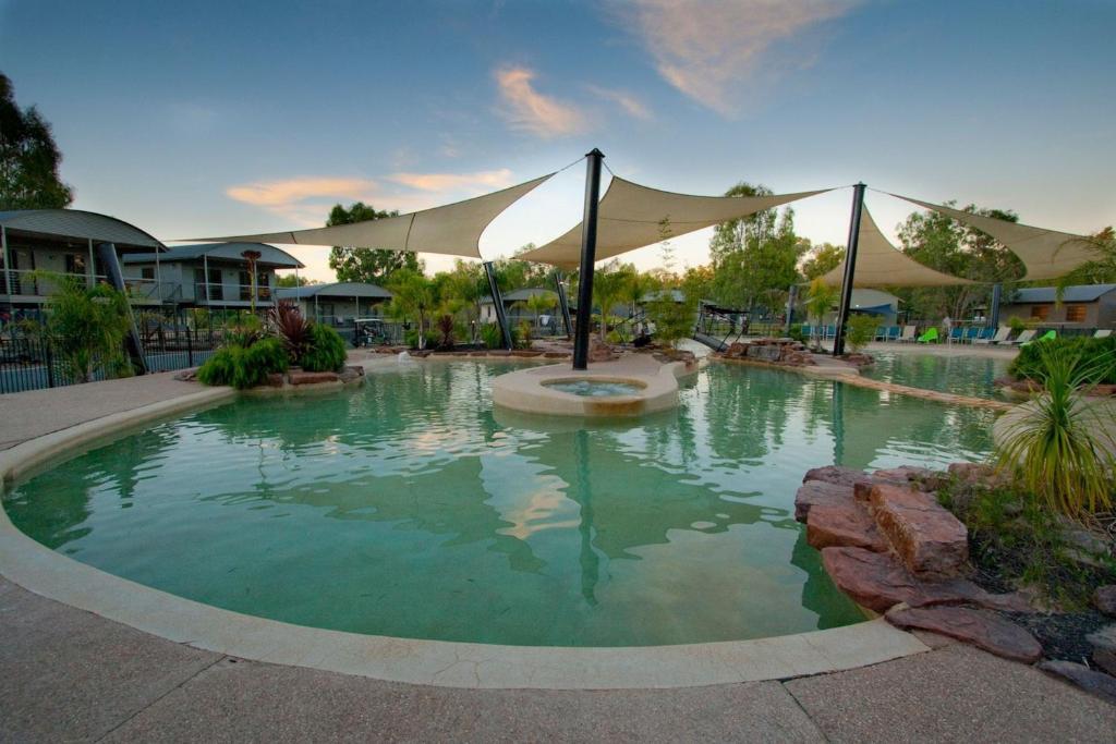 resort village moama on murray australia. Black Bedroom Furniture Sets. Home Design Ideas