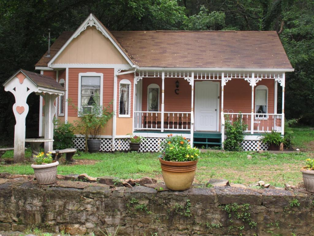 cottages on main eureka springs ar booking com rh booking com cottages eureka springs arkansas treehouse cottages eureka springs arkansas