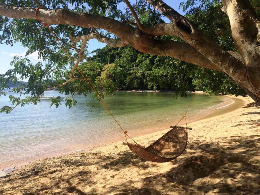 Garden Bay Beach Resort El Nido