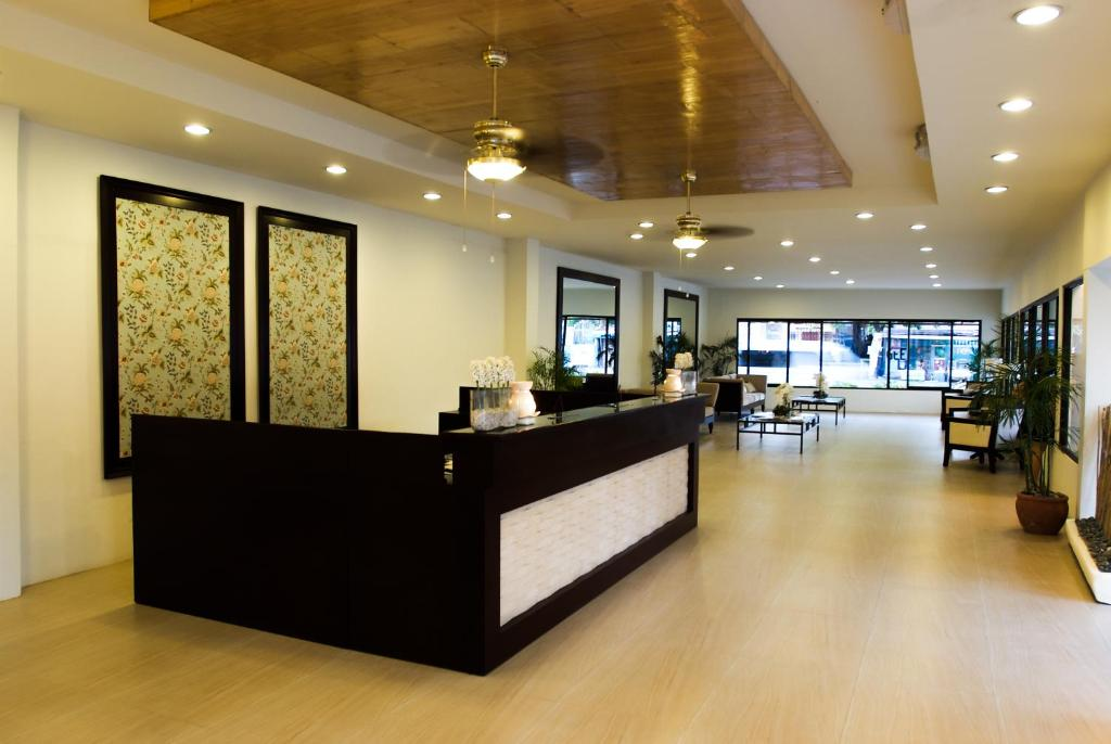 Hotels in Boca Raton - Waterstone - Curio Collection by Hilton |Hotel Front Office Lobby