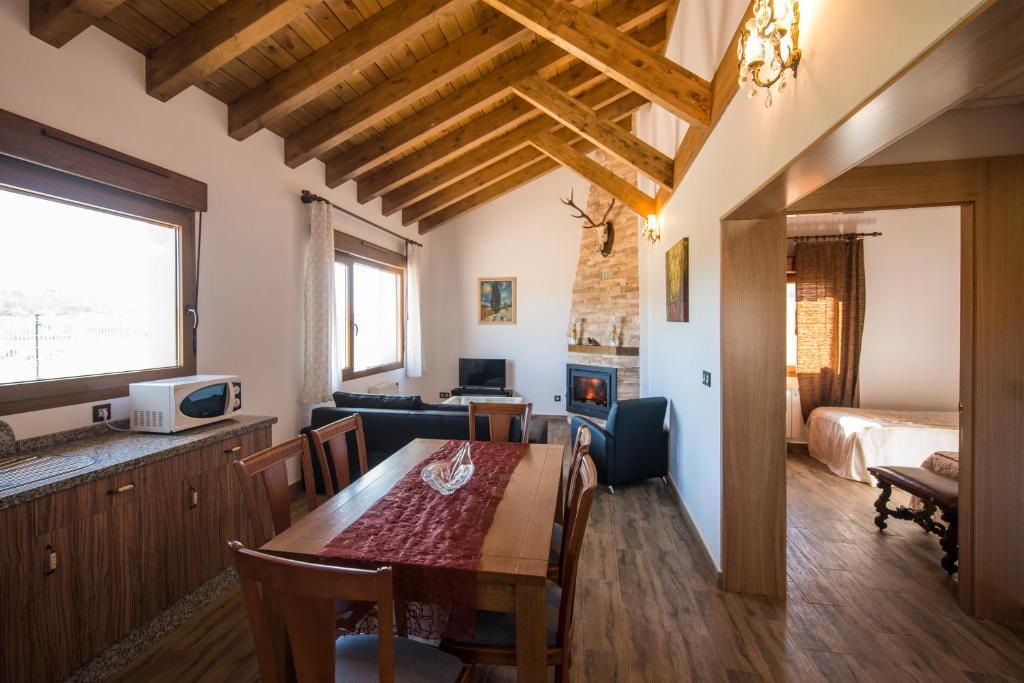 Alojamientos rurales con sala de trabajo casa dise o - Trabajo en casas rurales ...