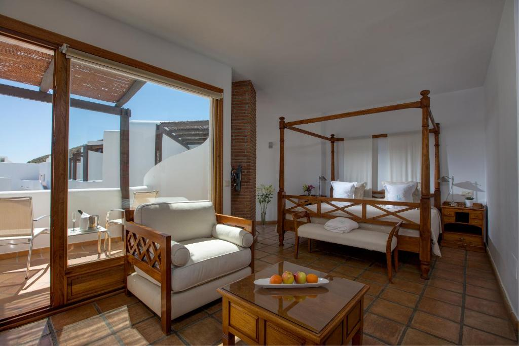 boutique hotels in agua amarga  46
