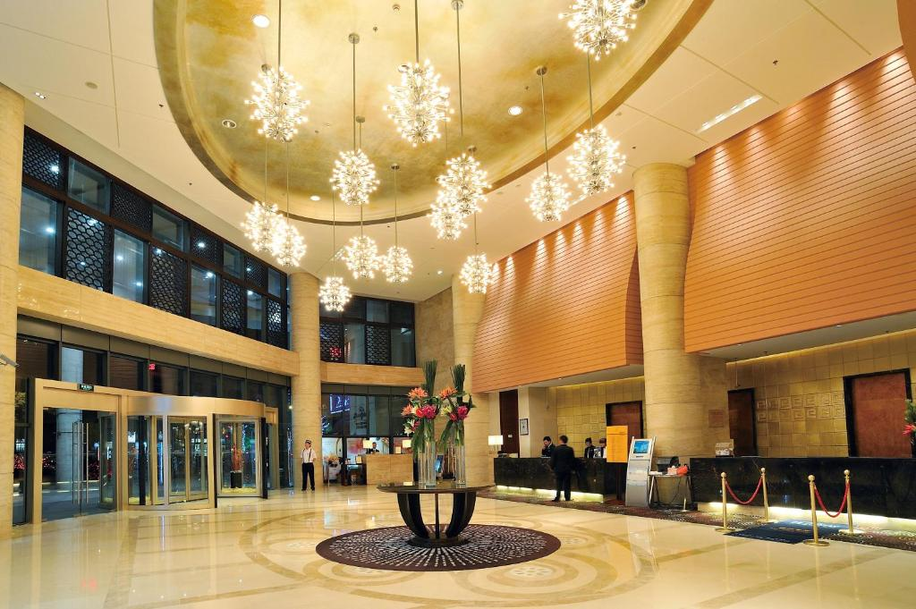 hj caida plaza shanghai china booking com rh booking com howard johnson plaza shanghai tripadvisor howard johnson plaza shanghai 595 jiu jiang road
