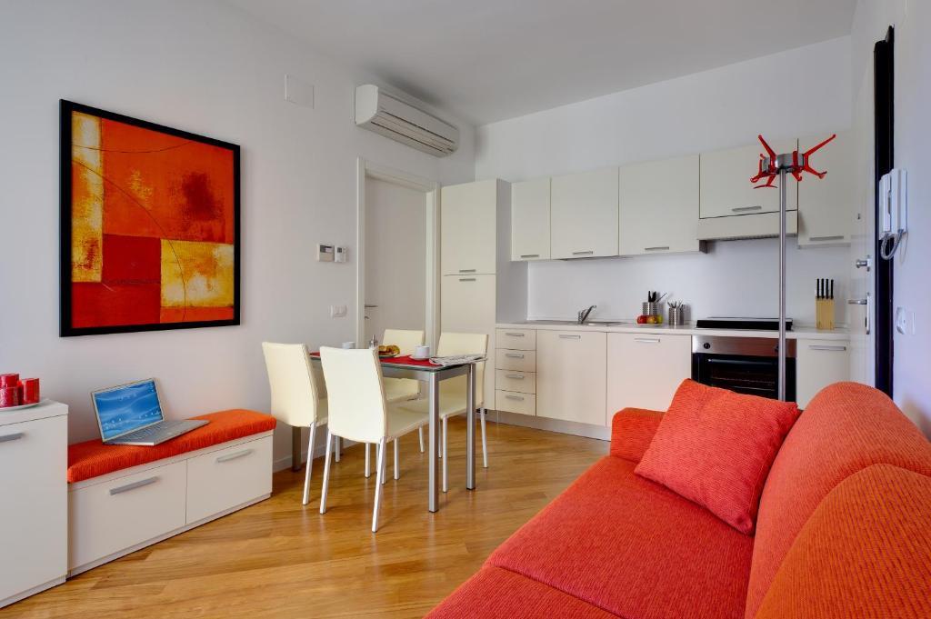 Ufficio Moderno Cremona Orari : My house apartments cremona u2013 prezzi aggiornati per il 2018