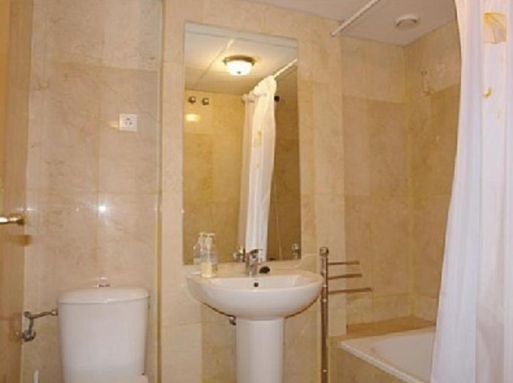 Apartment in Benalmadena, Malaga 100013 fotografía