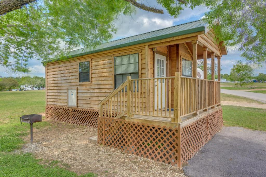 Lake Conroe Camping Resort Cabin 2 Willis Tx Booking Com