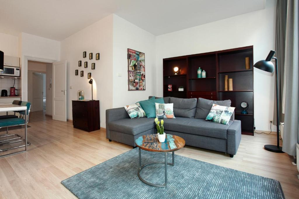An Apartment Broker Can Boost Your Search