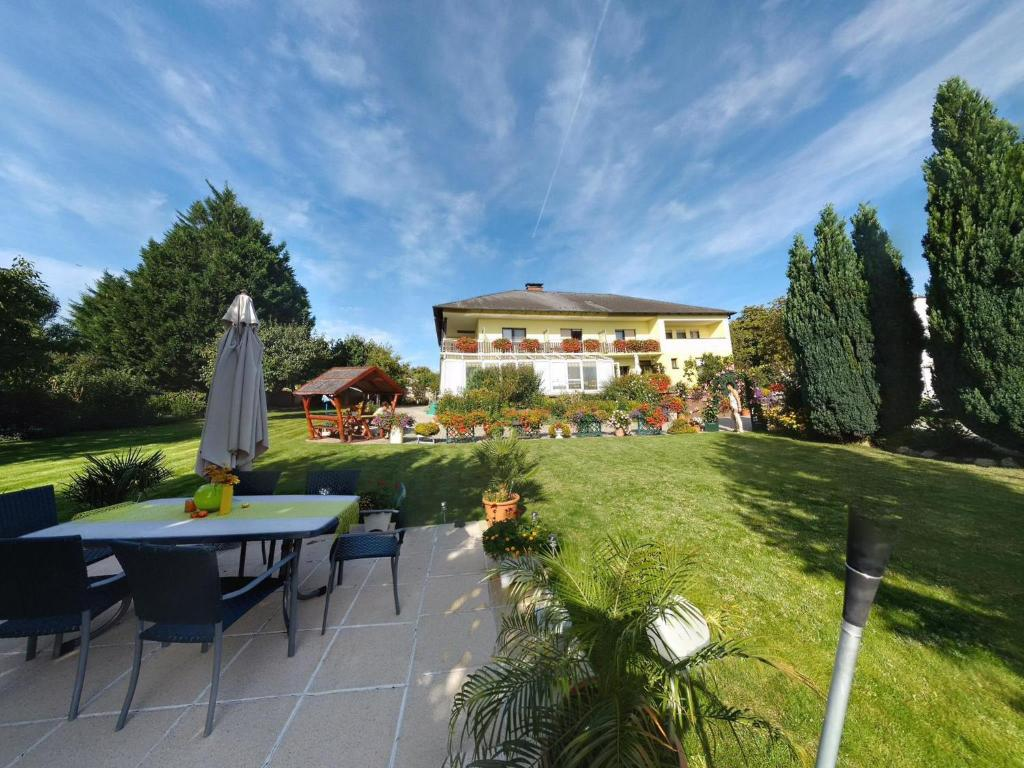 Pension Haus Margarethe österreich Mörbisch Am See Bookingcom