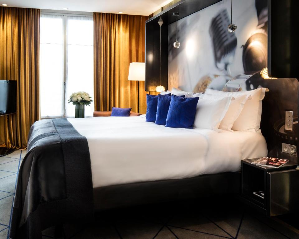 Hotel De Sers Paris Booking