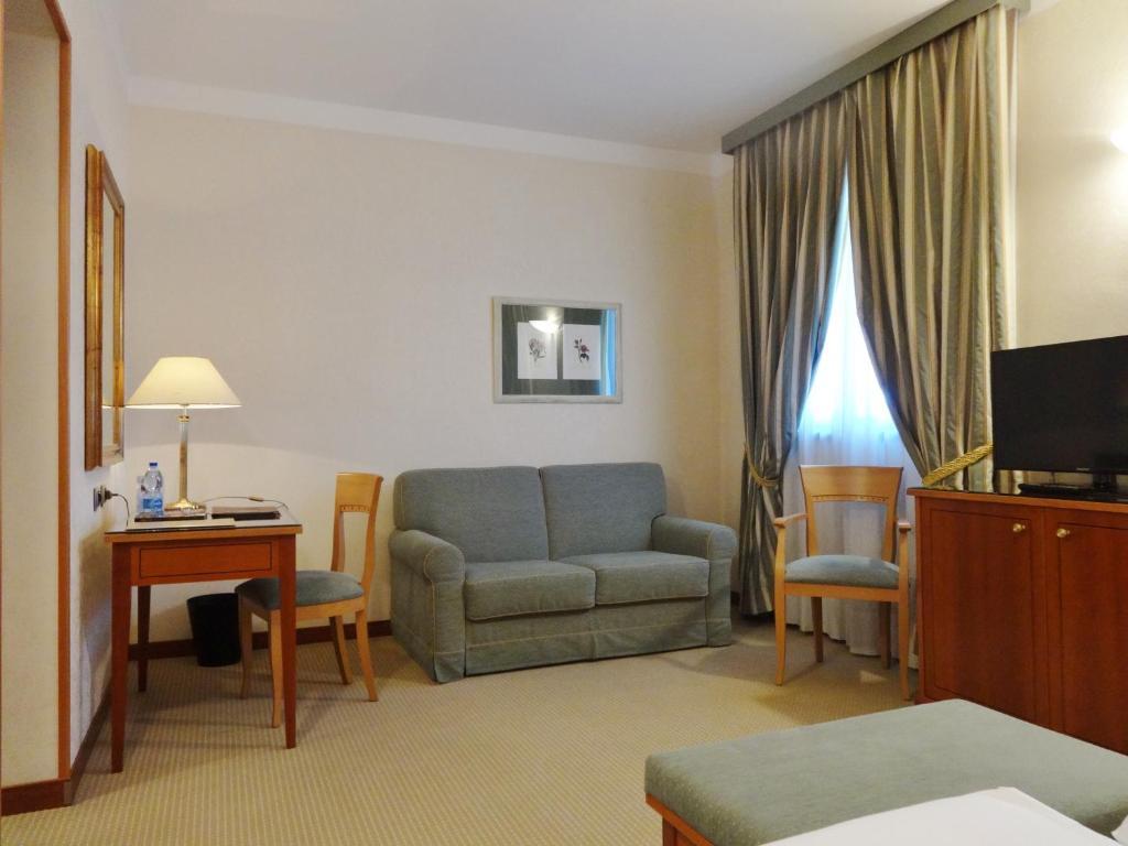 Hotel Excelsior Magenta
