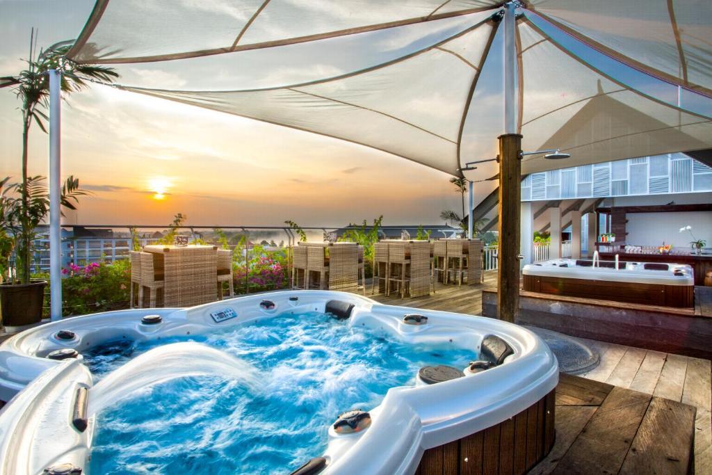 Hotel zia bali seminyak indonesia seminyak for Bali indonesia hotel booking