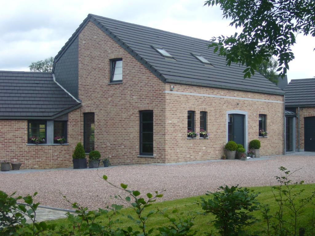 Villa aux portes de spa neufmarteau belgium - Maison close maastricht ...