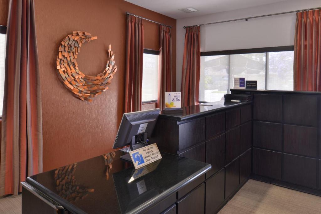 El Plus Royal Palace Inn Los Angeles Ca Booking Com