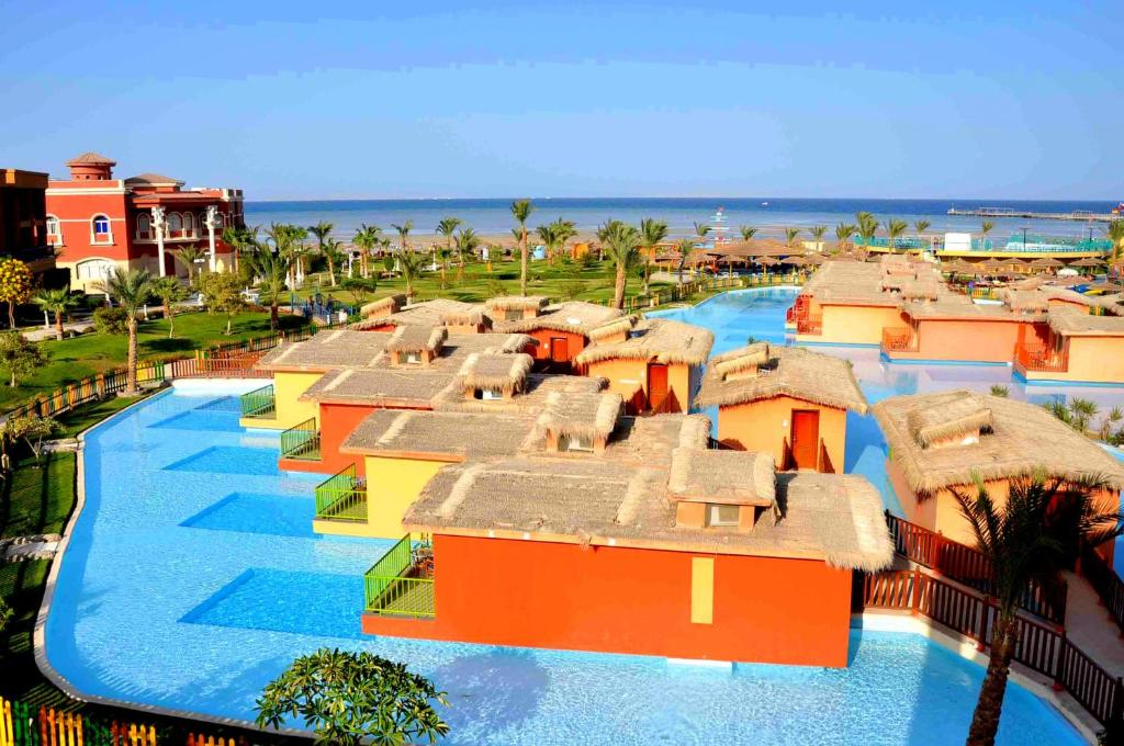 Resort titanic palace hurghada egypt Red house hotel swimming pool