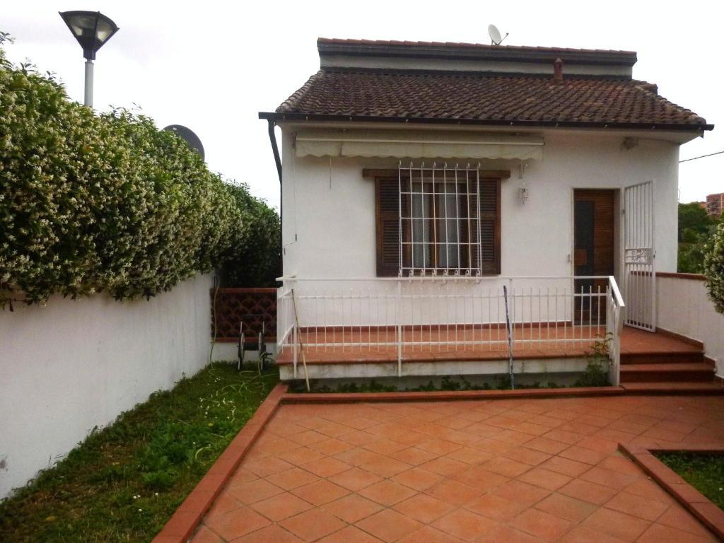 Buy a house in La Spezia on the beach cheap