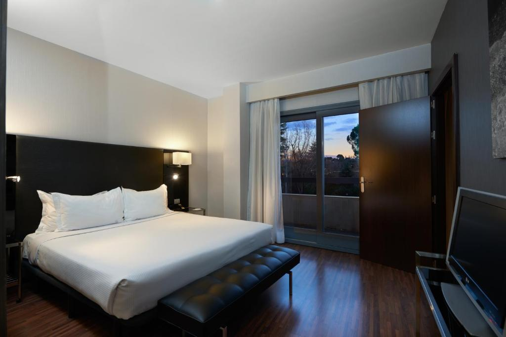 Minibar Kühlschrank Real : Hotel eurostars monte real spanien madrid booking