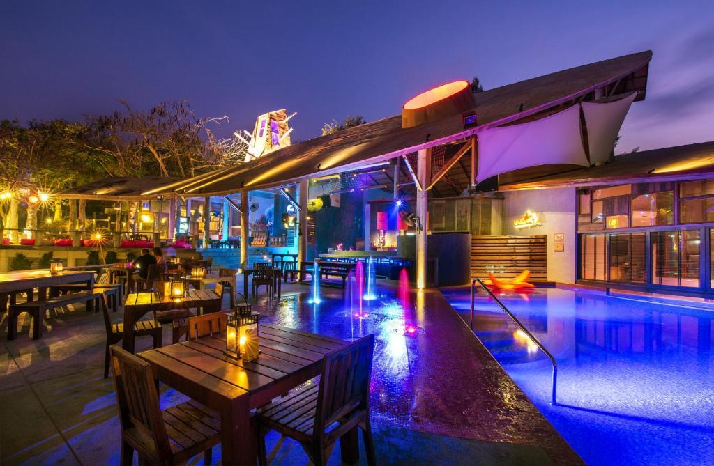 bar and bed resort samed ko samed thailand booking com