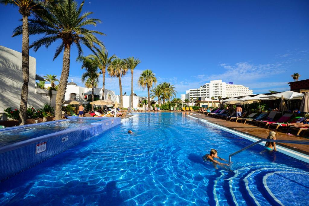 Resort HD Parque Cristobal, Playa de las Americas, Spain - Booking.com