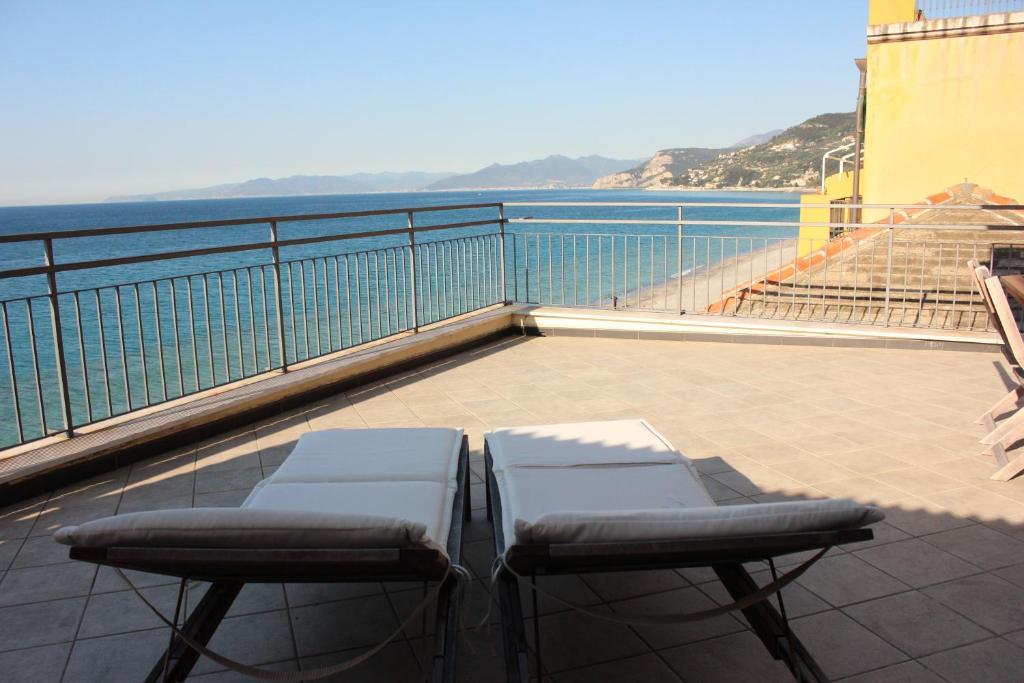Les Agrumes Apartment, Varigotti, Italy - Booking.com