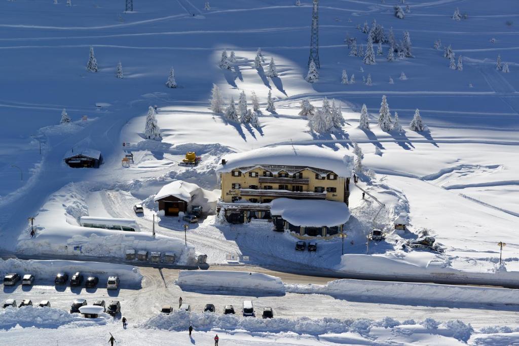 Hotel Dolomiti durante l'inverno