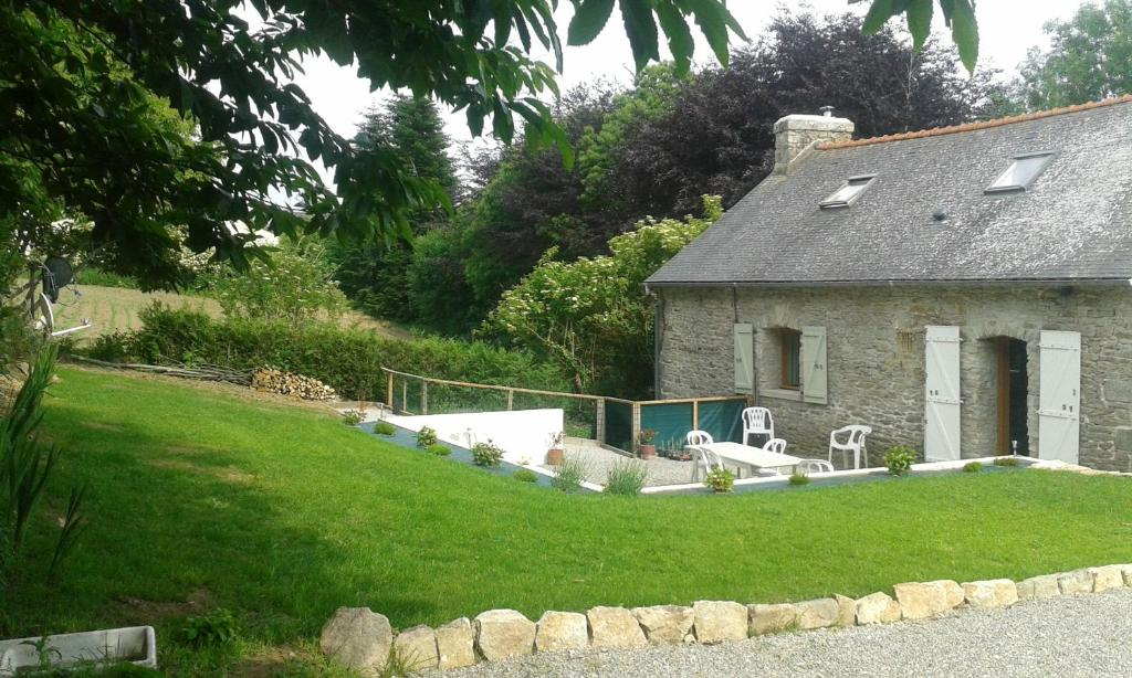 Bed and Breakfast Maison Ancienne, Guilligomarc'h, France - Booking.com