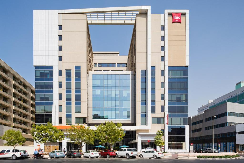 Hotel ibis al rigga dubai uae for Booking hotels