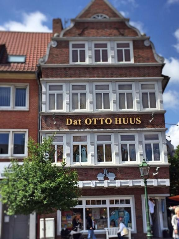 Hotel Deutsches Haus Emden Germany Booking Com
