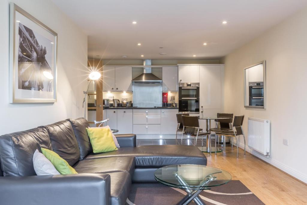 Equinox Place Farnborough Updated 2018 Prices