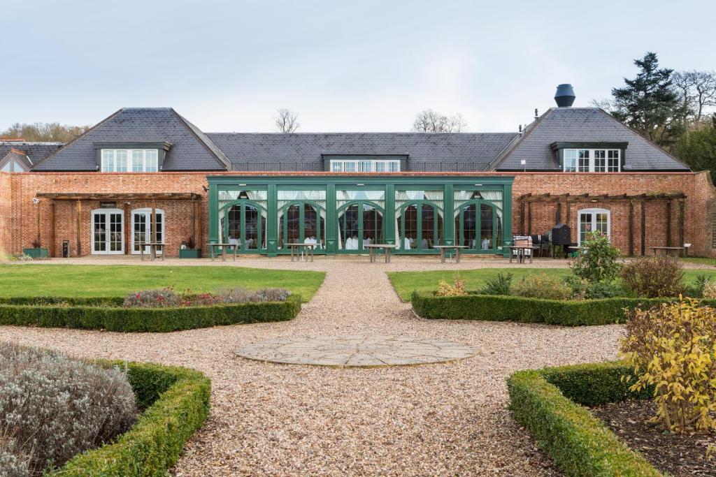 Mercure Warwickshire Walton Hall Hotel And Spa Warwick