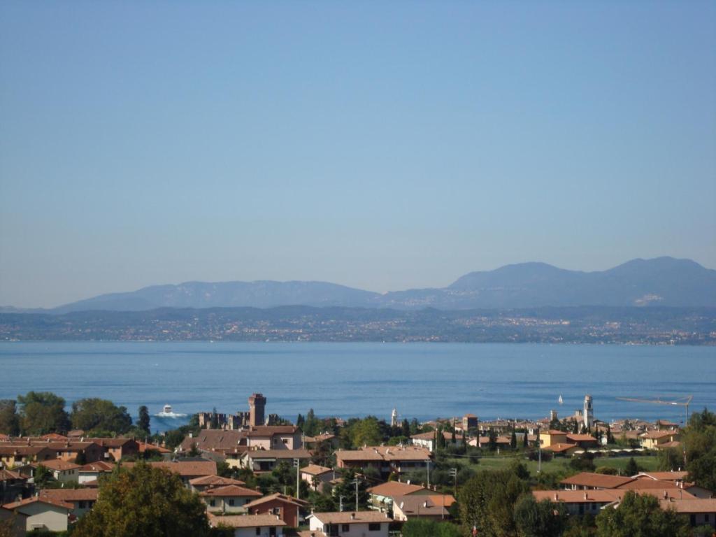 Villa d\'epoca sul Lago di Garda con piscina, Lazise, Italy - Booking.com