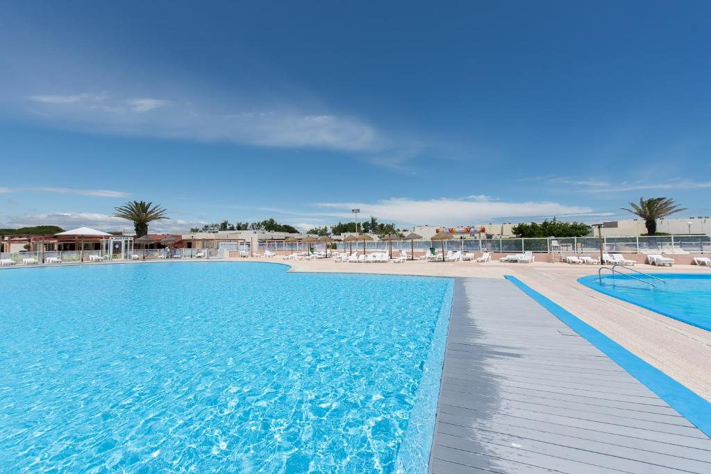 Residence locative port barcares france le barcar s - Place de port disponible mediterranee ...
