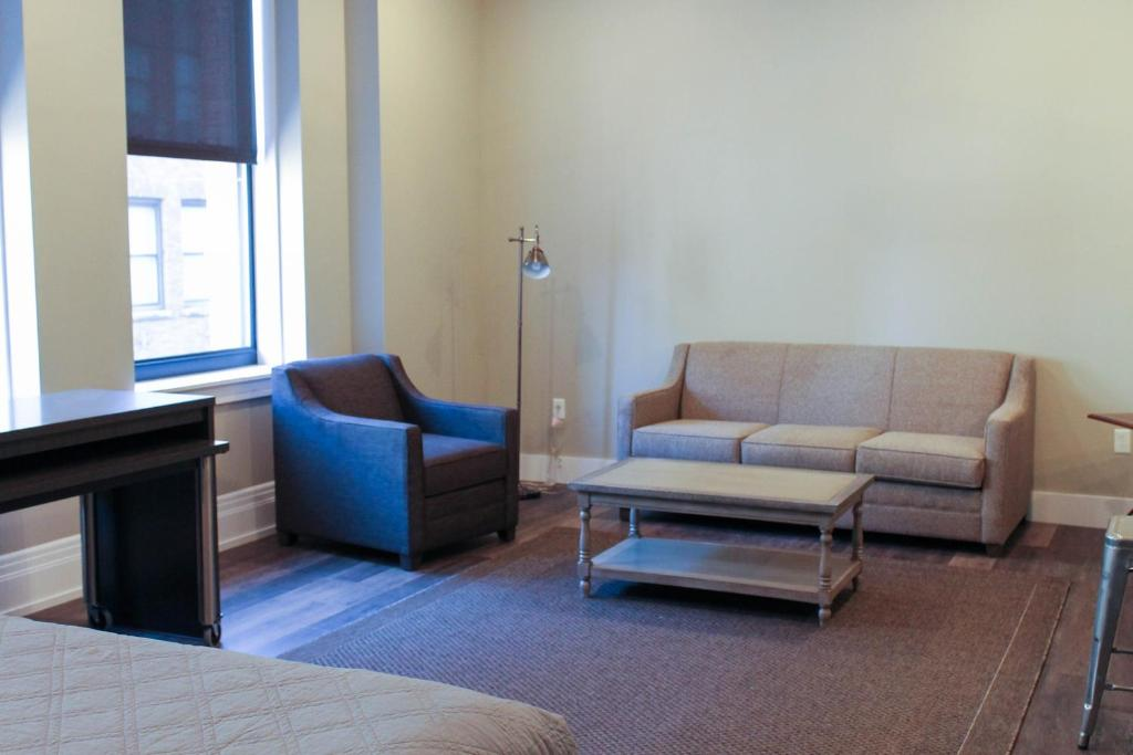 Studio Apartment Youngstown Ohio condo hotel wick tower suites, youngstown, oh - booking