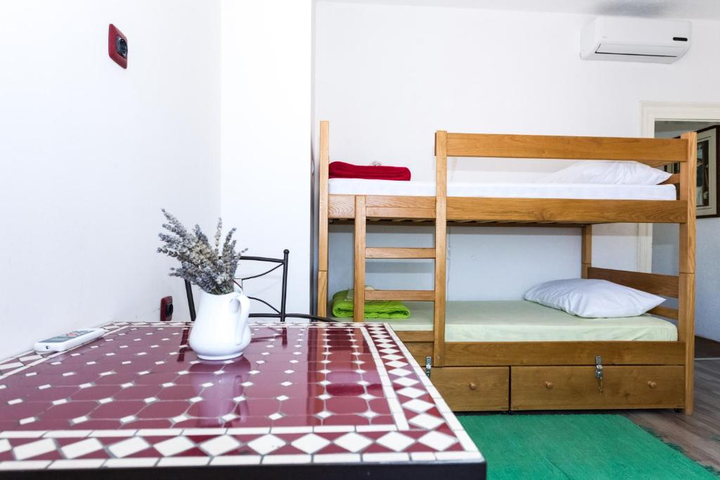 Four Corners Hostel