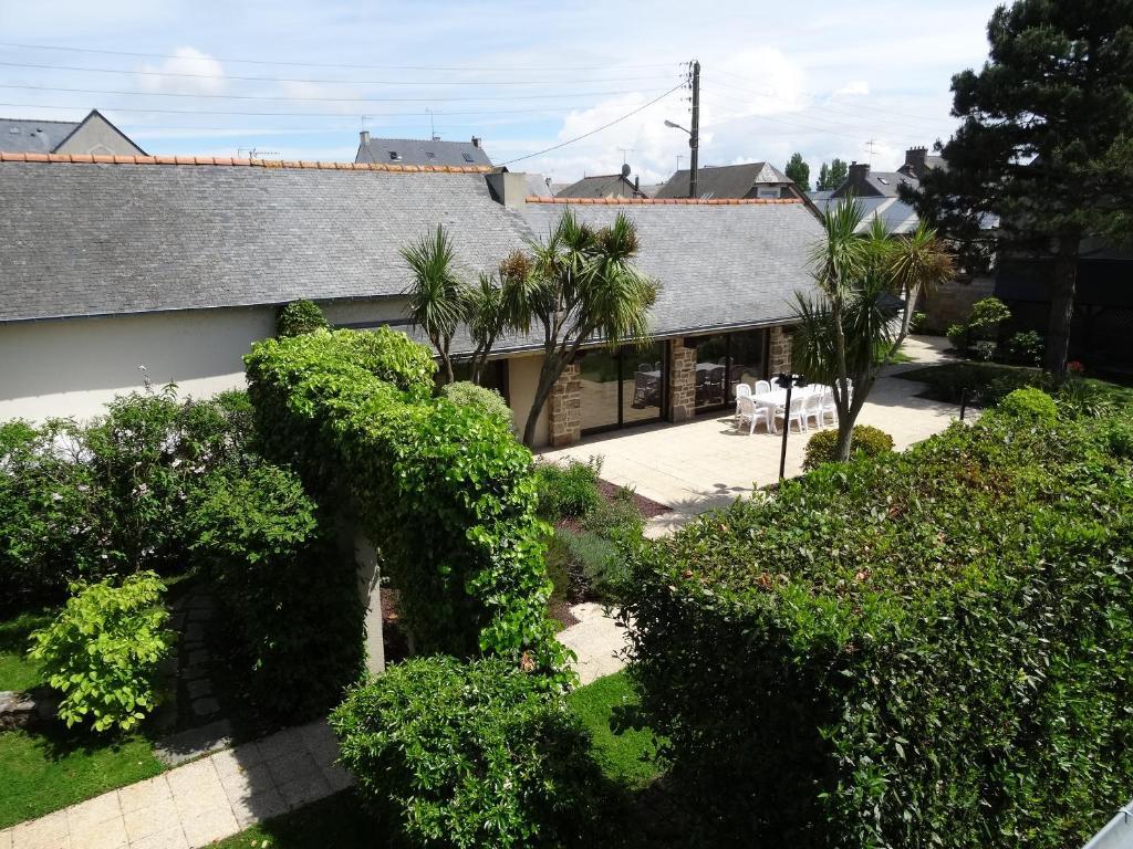 Villa de luxe saint malo france for Camping saint malo avec piscine