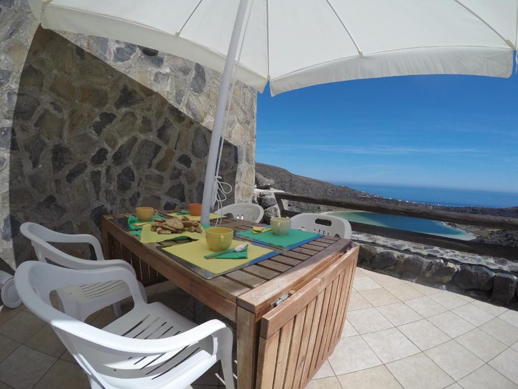 Case Di Pietra Pantelleria : Le case del principe pantelleria b b sicilia prezzi e