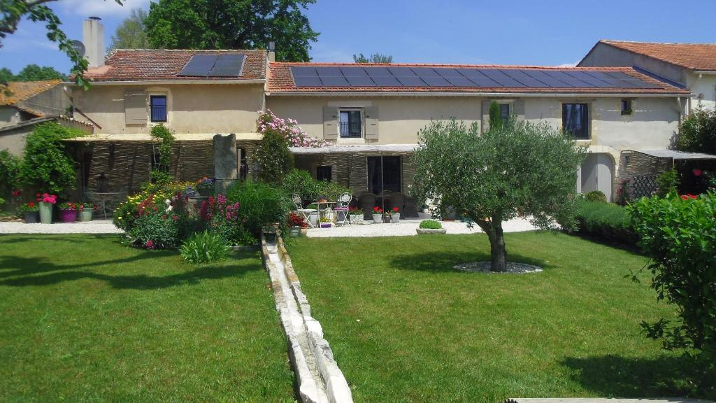 Bed And Breakfast Mas De L Air Maison De Charme Noves France