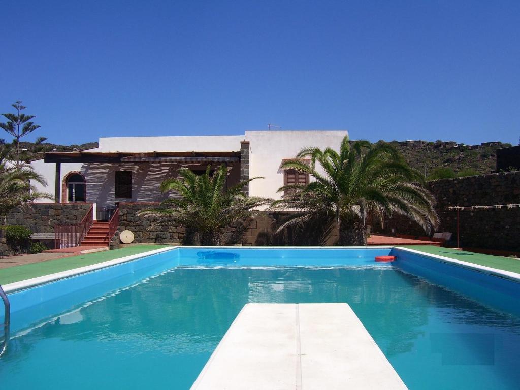 Case Di Pietra Pantelleria : Isola di pantelleria le migliori case di campagna vacanza in