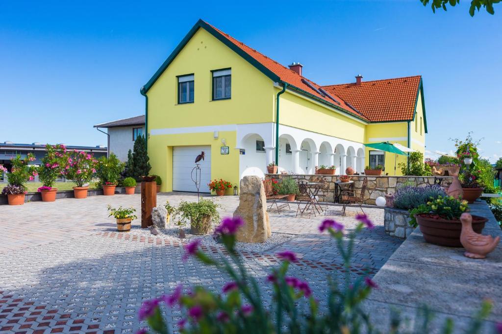 Appartementhaus Freiler österreich Mörbisch Am See Bookingcom