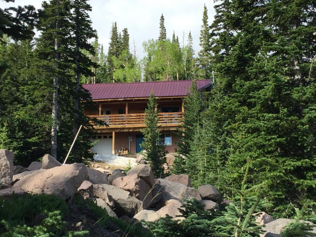 brian in from rental vacation rentals cabins across giant mountain property redawning cabin steps head fever