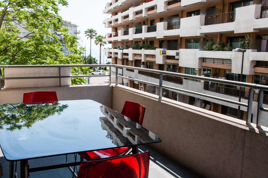 apartment imperial plaza beach, menton, france - booking