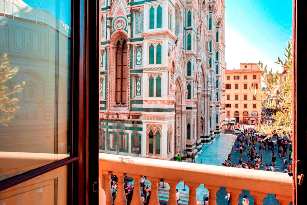 Palazzo gamba luxury apartments florence italy for Appart hotel florence