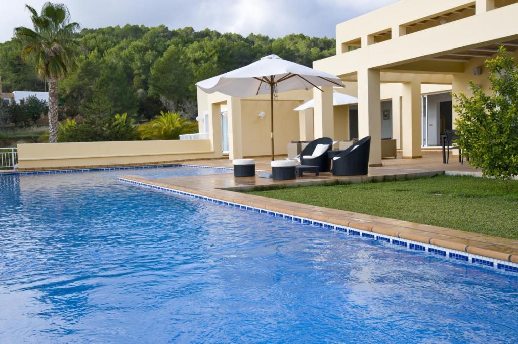 Villa styl espa a ibiza ciudad for Ciudad jardin ibiza