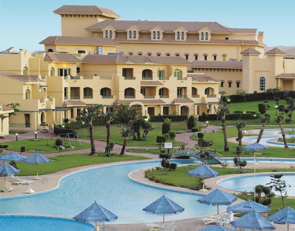 hotel mövenpick cairo - media city (Ägypten 6th of october, Garten und erstellen