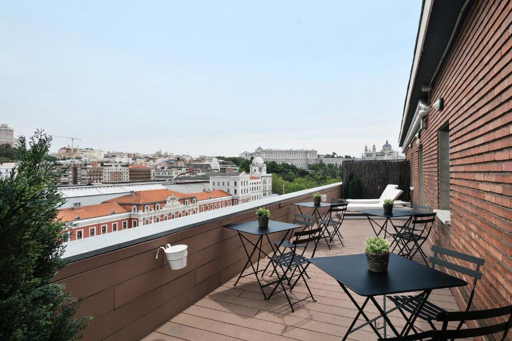 A balcony or terrace at Hotel Acta Madfor