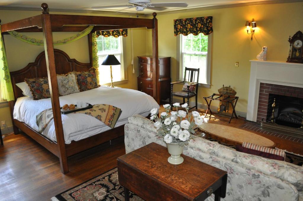 A Room At Bear Creek Inn