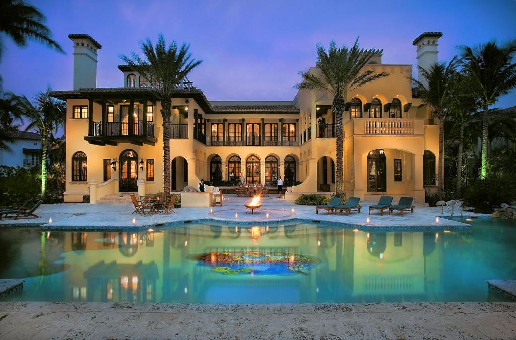 Villazzo villa contenta miami fl for Miami home design usa